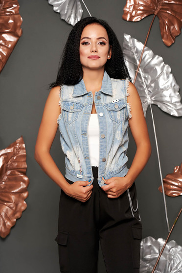 Blue gilet casual denim with faux pockets small rupture of material