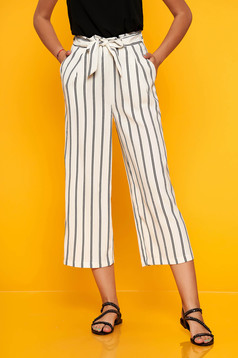 White trousers casual straight elastic waist accessorized with tied waistband