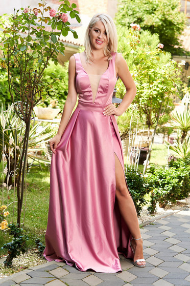 Lila dress cloche cut material with v-neckline from satin occasional