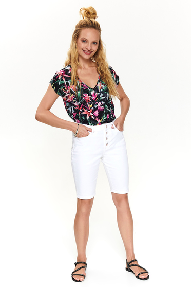 White short casual knee-length cotton wwith medium waist