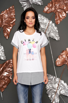 Casual flared neckline white t-shirt with graphic details