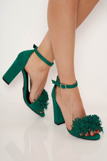 Green sandals clubbing chunky heel with thin straps