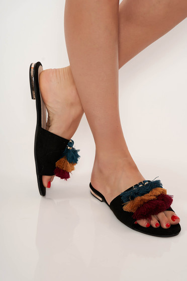 Black slippers casual low heel with tassels