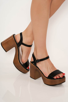 Black sandals casual chunky heel with thin straps