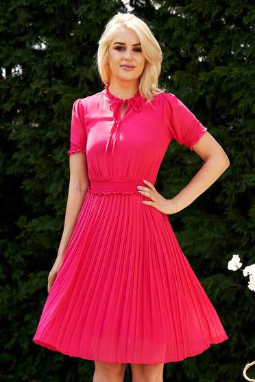 Fuchsia dress cloche midi from veil fabric with elastic waist folded up daily