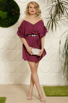 Purple dress occasional flared with an accessory with 3/4 sleeves naked shoulders