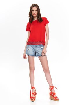Red t-shirt casual flared short cut with rounded cleavage with lace details