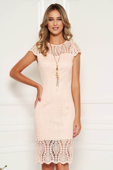 Peach dress elegant laced with laced sleeves with rounded cleavage midi