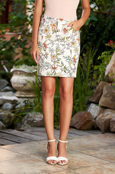 StarShinerS white skirt casual short cut cotton pencil with floral print with front and back pockets