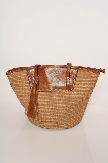 Zipper fastening with tassels bag