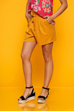 Mustard short casual high waisted accessorized with tied waistband with front pockets