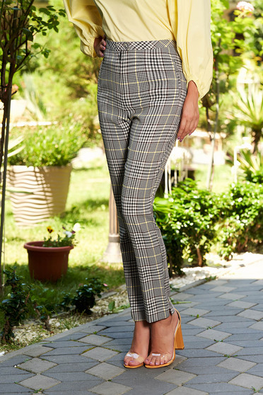 Elegant trousers with chequers