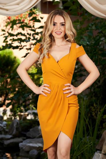 Mustard dress daily short cut with v-neckline sleeveless pencil
