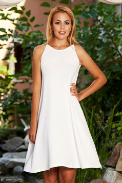 StarShinerS cloche scuba white dress with halter neck rounded cleavage and sleeveless