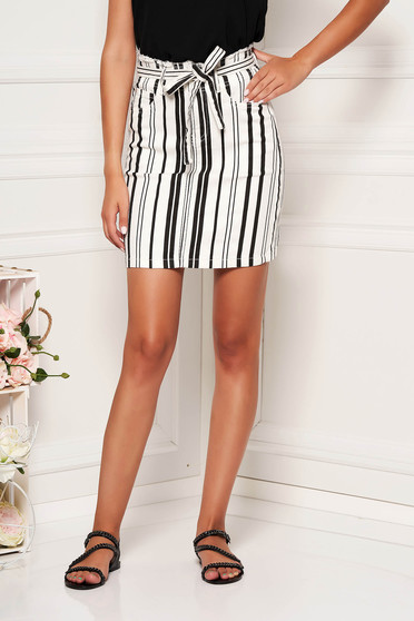 White skirt casual short cut cotton with stripes detachable cord
