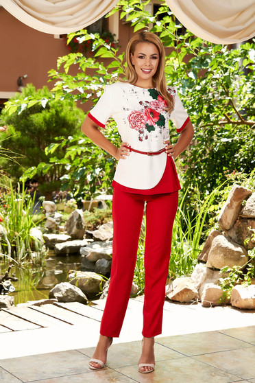 Red elegant 2 pieces lady set with trousers accessorized with belt with floral print