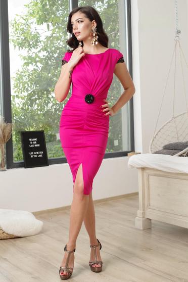 Short cut elegant fuchsia pencil dress with v-neckline frontal slit and short sleeves