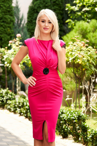 Short cut elegant fuchsia pencil dress with v-neckline frontal slit and short sleeves