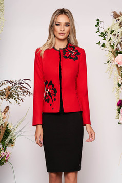 Tented elegant red jacket thick fabric with long sleeve and pearls