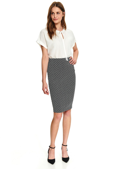 Black skirt casual midi pencil with graphic details without clothing