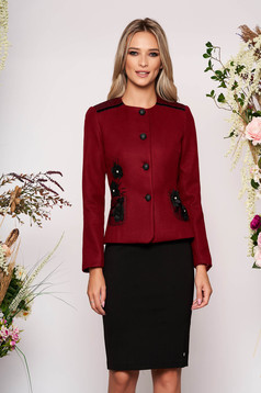 Burgundy jacket occasional short cut long sleeve tented thick fabric with front pockets with round collar