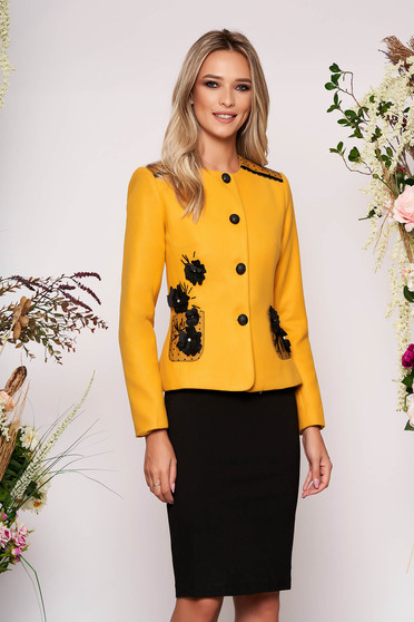 Mustard jacket occasional short cut long sleeve tented thick fabric with front pockets with round collar