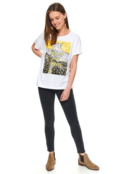 White t-shirt casual short cut flared cotton with graphic details with rounded cleavage