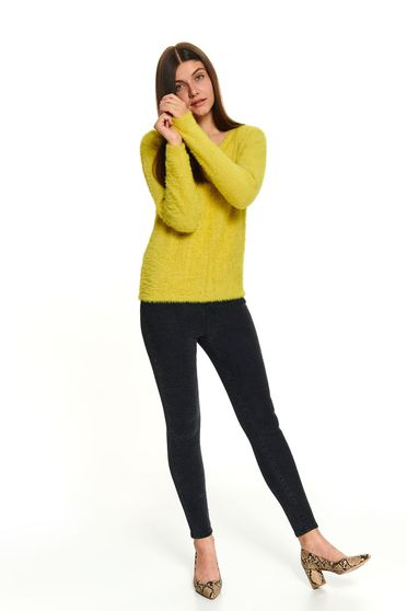 Yellow casual short cut long sleeved sweater with rounded cleavage