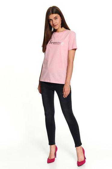 Lightpink t-shirt casual short cut flared cotton texted