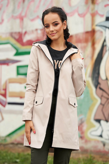Cream trenchcoat casual short cut long sleeve with pockets with inside lining