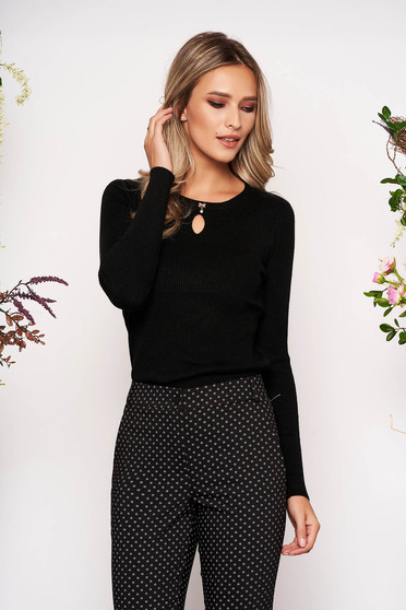 Black sweater casual short cut knitted with rounded cleavage with bow