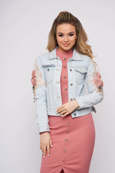 Blue jacket casual short cut denim with floral details with front pockets
