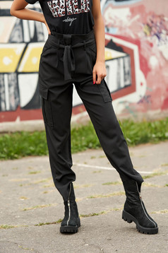 Black trousers casual high waisted with front pockets lateral pockets detachable cord
