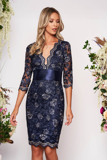 Darkblue dress occasional short cut pencil with v-neckline with 3/4 sleeves laced