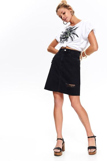 Black casual denim skirt with front and back pockets and small rupture of material
