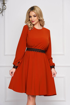 StarShinerS bricky elegant cloche dress from non elastic fabric accessorized with tied waistband with embroidery details