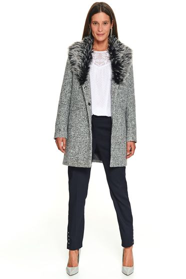 Peach coat flared fur collar with faux fur accessory casual