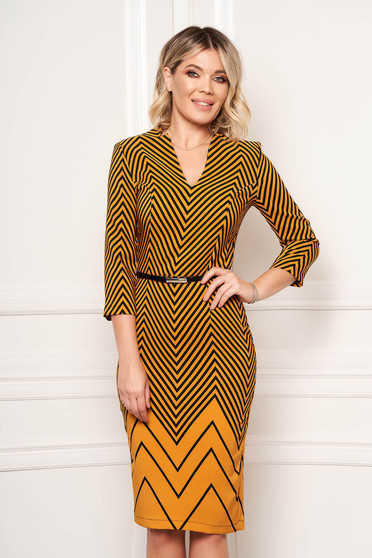 StarShinerS mustard dress elegant midi pencil with v-neckline with 3/4 sleeves with graphic details accessorized with belt