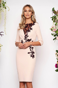 Lightpink dress occasional midi cloth from elastic fabric with 3/4 sleeves embroidered