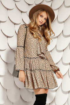 Cappuccino daily short cut flared dress with dots print pockets and long bell sleeves
