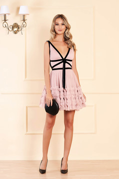 Ana Radu lightpink dress luxurious short cut cloche from tulle velvet insertions sleeveless with deep cleavage