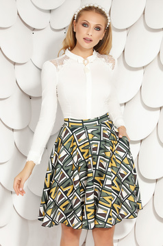 Green skirt elegant short cut cloche with pockets with graphic details without clothing