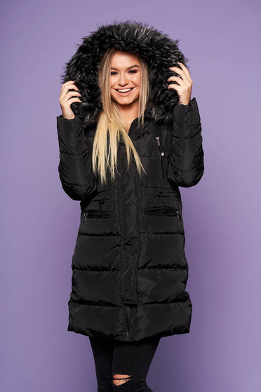 Black casual jacket from slicker with inside lining with pockets with faux fur accessory