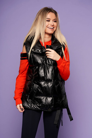 Black casual gilet from slicker with undetachable hood from shiny fabric