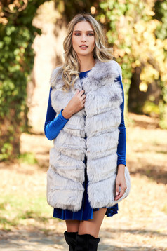 Gilet with easy cut from ecological fur with inside lining grey with pockets