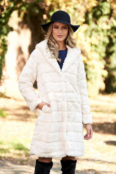 Cream fur elegant from ecological fur with inside lining with pockets
