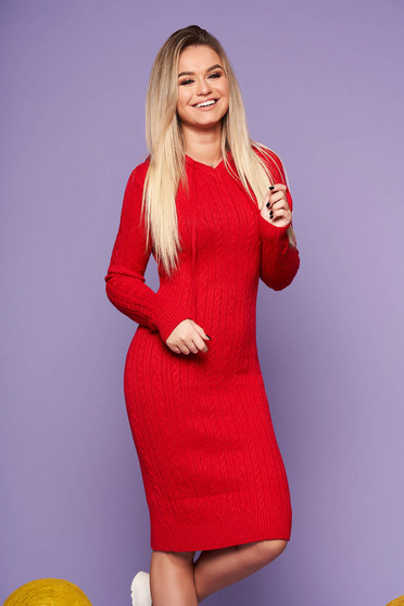 Red daily dress with tented cut knitted fabric long sleeved