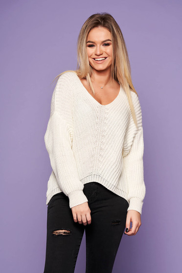White casual sweater knitted flared fabric with v-neckline