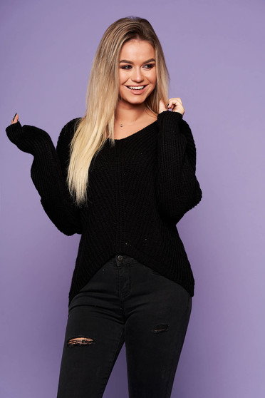 Black casual sweater knitted fabric flared with v-neckline