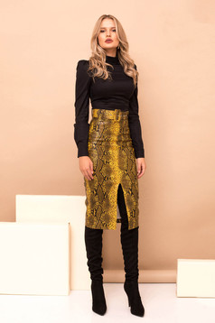 Mustard high waisted pencil skirt from ecological leather accessorized with belt